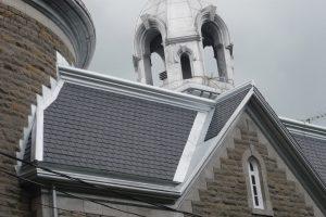 Restauration de la toiture d'église par Toiture Corbeil
